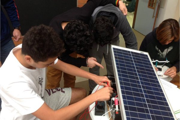 Alunos do Colégio Sidarta apresentam seus trabalhos de Iniciação Científica em modelo TED